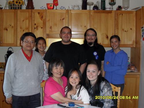 到因纽特人家参加生日聚会,2010年6月25日,Iqaluit