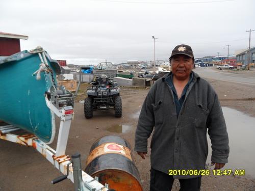 因纽特渔民,2010年6月26日,Iqaluit