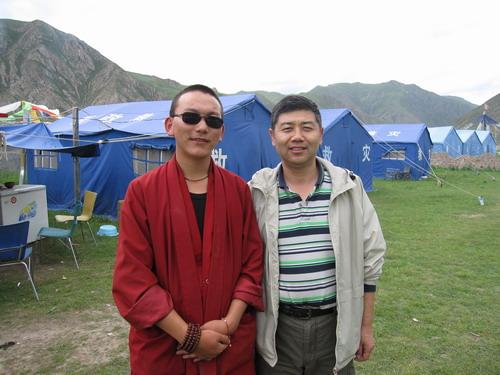 与禅古寺僧人在一起