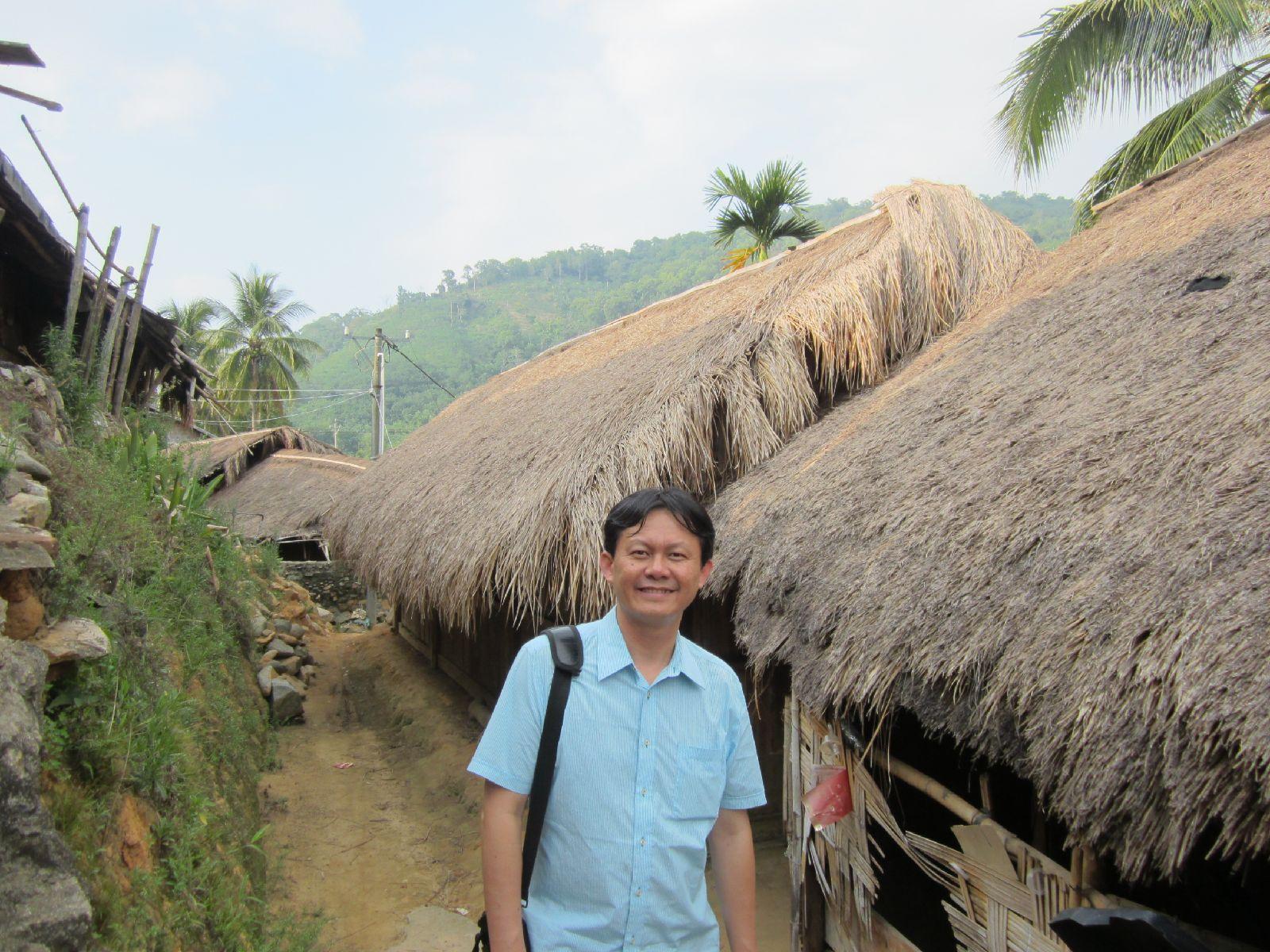 初保村黎族传统的茅草屋(2015年7月,张继焦)